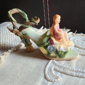 Fairy Collectable Figurine Fancy Flower Shoe CUTE
